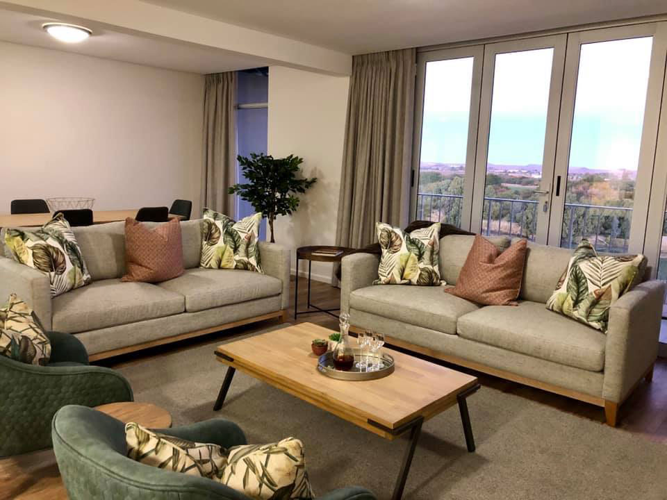 Oranjezicht Guest Accommodation | Upington | Northern Cape | Suites | Penthouse | Orange River | Luxury | Green Kalahari | Apartments | Usentra | South Africa | Accommodation | Bridal Suite